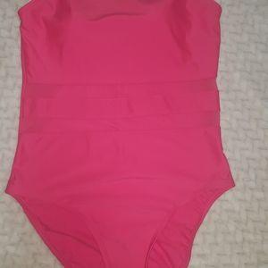 Size L swimming wear pink